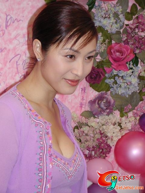 陳法蓉低胸寫真照片圖片1