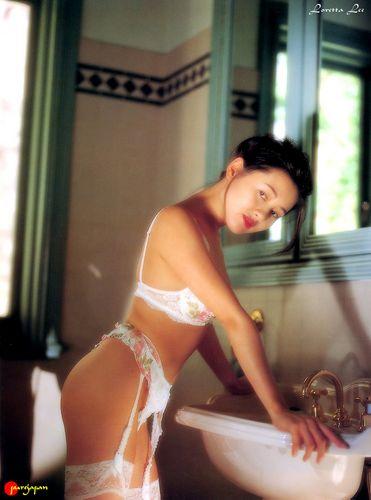 蜜桃成熟,李麗珍早年性感寫真集照片5