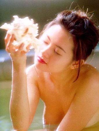 蜜桃成熟,李麗珍早年性感寫真集照片6
