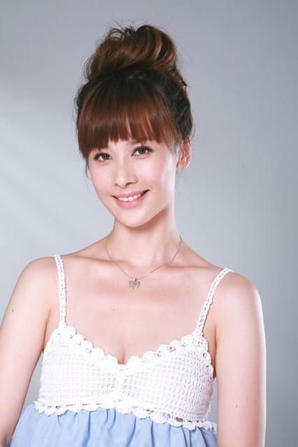 美女主持人32E洪棠寫真照片22