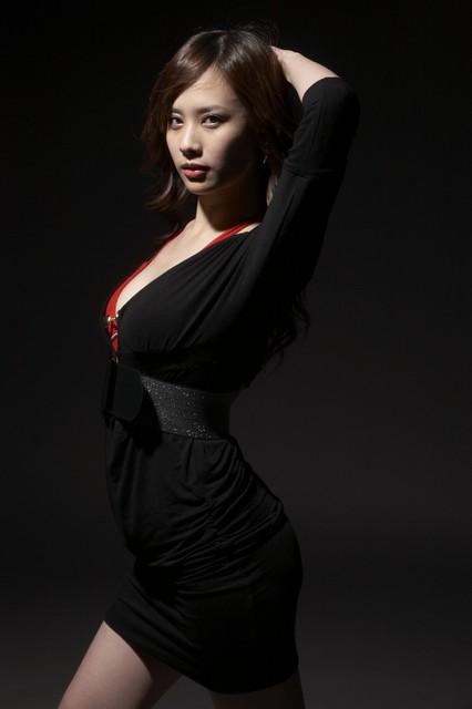 美女主持人32E洪棠寫真照片2