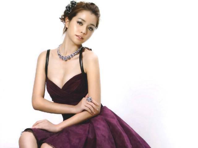2010 FHM男人幫《全球百大性感美女》No.7-李毓芬寫真照片圖片14