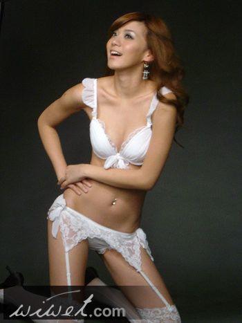 氣質美女王思平超性感爆乳照照片58