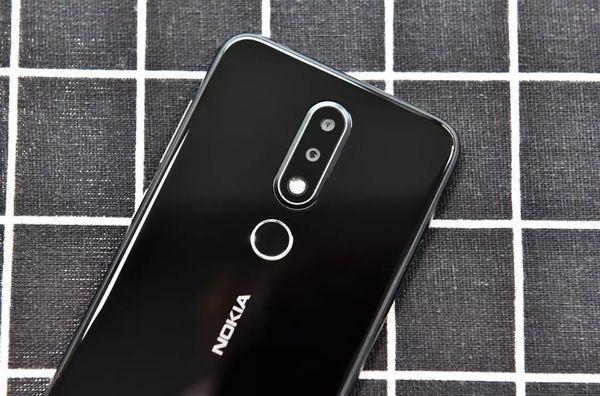 劉海屏手機大對比,諾基亞X6和vivo X21